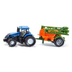 New Holland tractor met veldsproeier