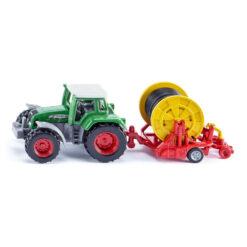 Traktor met sproeiïnstallatie